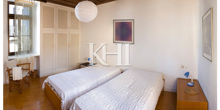 House-for-sale-in-Chania-Crete-bedroom